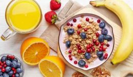 Healthy breakfast. Yogurt with granola and berries